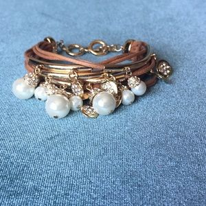 Bracelet brown with gold hardware and pearls